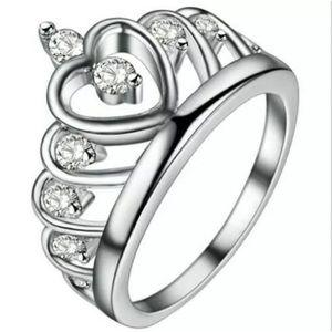 Jewelry - 💛TIARA 👸🏽 RING